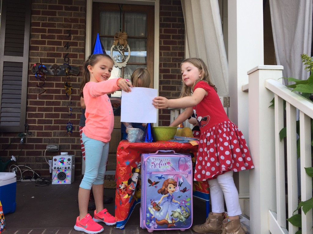 #DisneyKids Flash Playdate - Children on the porch with a suitcase and party items